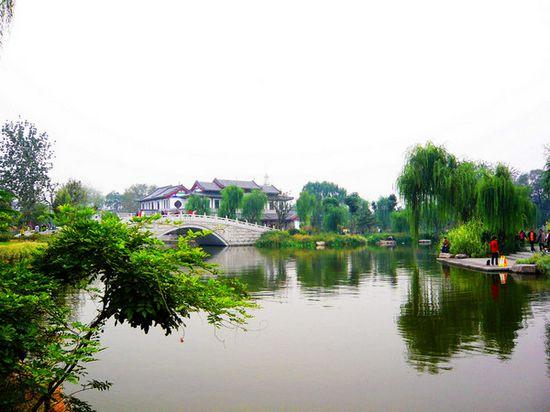 大明湖新区景色优美,目前免费